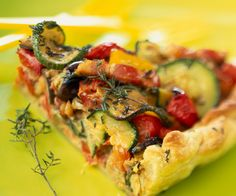 Tart with Bacon and Ratatouille (Can be converted to a quiche). Vegetarian Recipes, Snack Recipes, Cooking Recipes, Healthy Recipes, Quiches, Omelettes, Vegan Kitchen, Diy Food, Food Ideas