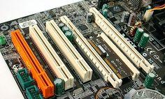 Slot Ekspansi pada motherboard komputer