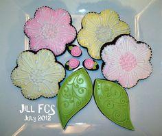 gallery of 'jill fcs' cookies | Flowers and leaves by Jill FCS, via Flickr | Flower cookies