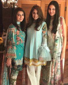 Sleeve Stylish Dresses For Girls, Stylish Dress Designs, Casual Dresses, Casual Work Attire, Simple Pakistani Dresses, Pakistani Dress Design, Indian Dresses, Pakistani Fashion Party Wear, Pakistani Outfits