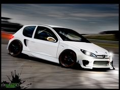 Peugeot 206 White Tuning in Action #206 #tuning #piecesauto #misterauto
