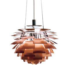 De #Louispoulsen #Artichoke 48 #hanglamp wordt beschouwd als een klassiek meesterwerk dat #PoulHenningsen meer dan 40 jaar geleden ontwierp. De constructie bestaat uit 72 bladen die op zo'n manier aan 12 stalen bogen zijn bevestigd dat ze elkaar 'beschermen'. Hierdoor is de #lichtbron vanuit geen enkele hoek zichtbaar en is de #lamp 100% schitteringsvrij. Verkrijgbaar in het koper, roestvrij staal en wit bij #Flindersdesign #verlichting #klassiek #design Verkrijgbaar in he