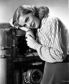 """Vintage Glamour Girls: Lizabeth Scott in """" The Strange Love of Martha Ive. Lizabeth Scott, Vintage Glamour, Good Old, Classic Hollywood, 1940s, Sirens, Couple Photos, Black People, Couple Shots"""