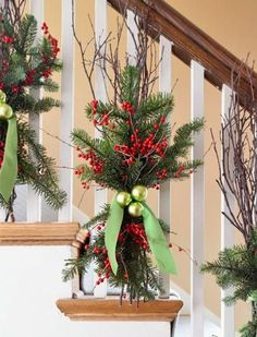 Here are the Christmas Stairs Decoration Ideas. This post about Christmas Stairs Decoration Ideas was posted under the Home Design Noel Christmas, Christmas Projects, Winter Christmas, Christmas Wreaths, Christmas Entryway, Natural Christmas, Beautiful Christmas, Christmas Ornaments, Christmas Balls