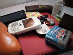 Scoprite i particolari su ogni singolo oggetto http://www.milady-zine.net/whats-in-my-bag-1-la-borsa-di-lucia-r-in-primavera/