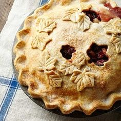 Wisconsin Harvest Pie: This almond-kissed, fruit-packed pie comes from David Harper, of Richland Center, Wisconsin—he likes to serve it with a wedge of Wisconsin cheese. Apple Pie Recipes, Fall Recipes, Cookie Recipes, Dessert Recipes, Thanksgiving Recipes, Walnut Pie, Wisconsin Cheese, Best Pie, Pastry Blender