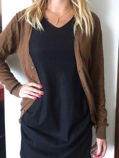 Gilet cardigan marron h&m court de marque H&M. Taille 36 / 8 / S à 8.50 € : http://www.vinted.fr/mode-femmes/cardigans/37085901-gilet-cardigan-marron-hm-court.