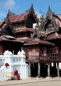 Achim on flickr, The Old Monk, at Shwe Yaunghwe Kyaung Monastery, Nyaungshwe, Myanmar