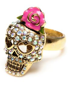 Rhinestone Skull W.Rose Ring - Betsey Johnson <3<3
