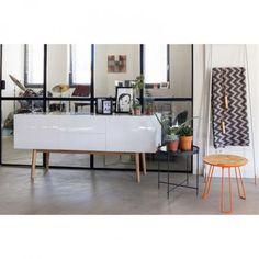 Komoda High On Wood 2 x szuflada i 2 x drzwi - Zuiver | Skandynawski Design & Meble Ogrodowe