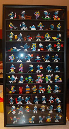 My Dad has a Smurf display. I've always wanted it. Maybe one day I'll be fortunate enough to have it passed down to me :-)