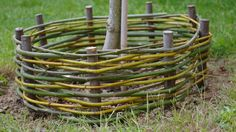 kicsikert - my little garden Garden Hose, Garden Art, Little Hands Wallpaper, Perfect Beard, Bamboo Fence, Wattle Fence, Garden Structures, Flower Farm, Land Art
