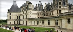 Want to study abroad in France? Read this blog before you decide. Continue reading to know more about the experience of studying in France and the things you gain from French culture.