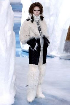 Кожаная куртка chanel с мехом