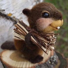 Cute Needle felted project wool animals squirrel (Via @l_diva77)