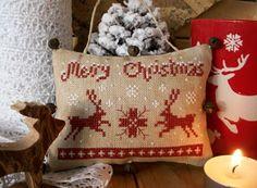 The Little Stitcher: Merry Christmas Deer