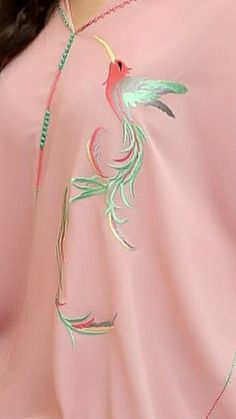 Border Embroidery Designs, Kurti Embroidery Design, Embroidery On Kurtis, Shirt Embroidery, Hand Painted Dress, Modele Hijab, Arabic Dress, Kurti Patterns, Embroidered Bird