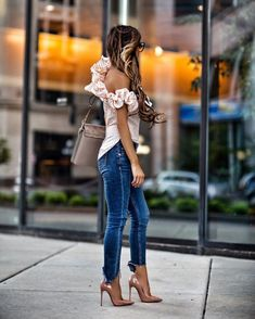 Gorgeous 46 Ways to Wear with One-Shoulder Outfit http://outfitmad.com/2018/03/05/46-ways-wear-one-shoulder-outfit/