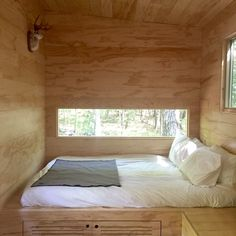 These are the five reasons why I can't get on board with tiny living. Tiny House Bedroom, Tiny House Cabin, Home Decor Bedroom, Tiny Bedrooms, Guest Bedrooms, One Room Cabins, Modern Tiny House, A Frame Cabin, Tiny House Movement