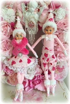 THE ELF ON THE SHELF~A Valentine's Day elf couple