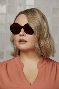 Soak up the sun with these eye-catching shades. Zsa Zsa is all angles, leaning into one of 2020's favoured trends – geometric frames – but manages to conjure up something of the floral. A nod to actress, socialite and style icon Zsa Zsa Gabor, these playful, oversized sunglasses take hiding in plain sight to a whole new level. Get them in two fundamentally chic colourways, Tortoise and Onyx, with brown and grey lenses respectively.