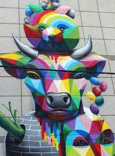 A new selection of the colorful street art creations of the Spanish artist Okuda, who we already talked about in 2013 with The street art by Okuda. From India #streetart