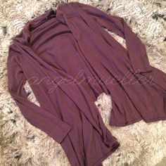 """Purple cardigan sweater This purple cardigan sweater is a loose, open, shawl style. Length: 26"""", bust: 19"""", sleeve length: 24"""", perfect condition. Wash tags are cut off. Tag reads small, may fit other sizes based on style. Daisy Fuentes Sweaters Cardigans"""