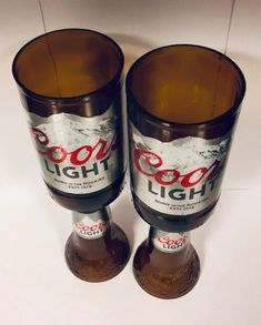 Want some unique glasses? Made with bottles and make great 🎁 Alcohol Bottle Crafts, Beer Crafts, Liquor Bottle Crafts, Wine Bottle Art, Bottle Cap Crafts, Diy Bottle, Beer Bottles, Beer Bottle Lights, Glass Bottles