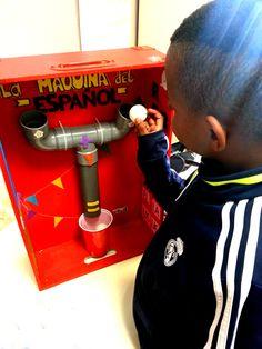 La Máquina en clase. Languages, Diy Ideas, Home Appliances, Teaching, School, Manualidades, Idioms, House Appliances, Appliances