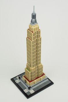 Jussi Koskinen's version of the Empire State Building is like the model in the official New York City Skyline, only much larger (and better). The 1/1400 scale model extensively uses grille ti…