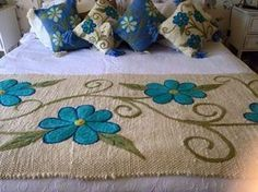 This Pin was discovered by Cec Mexican Embroidery, Embroidery Art, Embroidery Patterns, Cushion Cover Designs, Bed Runner, Hand Art, Quilt Bedding, Wet Felting, Applique Quilts