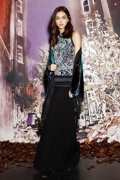 See the complete Nicole Miller Pre-Fall 2014 collection.