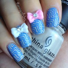 Very cute nails. Do you like this smiley style? Click here>>  http://ampolishes.blogspot.ca/2015/07/lady-queen-bow-studs-review.html