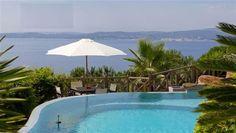 Die Segelregatta direkt vom Wohnzimmer #St_Maxime  Mit seiner einzigartigen Lage und der atemberaubenden Aussicht über das Meer und die Bucht von St Tropez, ist dieses elegante Anwesen wirklich außergewöhnlich!   Luxusausstattung!   Wunderschöner Garten! http://aiximmo.ch/de/listing/die-segelregatta-direkt-vom-wohnzimmer/  #frenchriviera #cotedazur #mallorca #marbella #sainttropez #sttropez #nice #cannes #antibes #montecarlo #estate #luxe #provence #immobilier #luxur