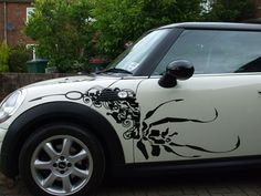 MINI Graphics online shop, suppliers and manufacrturer of racing stripes, decals, bonnet stripes, side A-panel graphics and roof graphics for the BMW MINI. John Cooper Works, Modificaciones Jeep Xj, Minis, Mini Doodle, Disney Decals, Mini Copper, Mighty Max, Design Cars, Mini Stuff