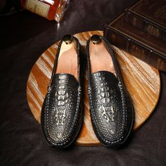 US $18 Vintage Men Shoes Round Toe Loafers Male Italian Elegant Mens Crocodile Leather Flats Men Driving Shoes
