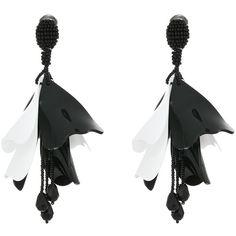 Oscar de la Renta Large Impatiens Flower Drop C Earrings (Black/White)... ($425) ❤ liked on Polyvore featuring jewelry, earrings, black white jewelry, beaded earrings, oscar de la renta jewelry, beads jewellery and black white earrings