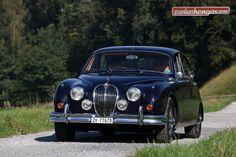 Wenn Sie aber im originalen Jaguar Mark 2 über die Zürcher Quaibrücke fahren, ist Ihnen ungeteilte Aufmerksamkeit sicher: http://www.zwischengas.com/de/FT/fahrzeugberichte/Der-Jungbrunnen-Jaguar-Mk-2-meistert-den-Alltag-souveraen.html?utm_term=Der%20Jungbrunnen%20Jaguar%20Mk%202%20meistert%20den%20Alltag%20souvern&utm_content=buffer757bf&utm_medium=social&utm_source=pinterest.com&utm_campaign=buffer  Foto © Bruno von Rotz