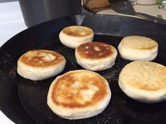 Looking for an easy, make ahead breakfast? These Sourdough English Muffins are perfect! I promise you& never want to buy them from the store aga. Sourdough Recipes, Sourdough Bread, Bread Recipes, Starter Recipes, English Muffin Recipes, English Desserts, Croissants, Scones, Sourdough English Muffins