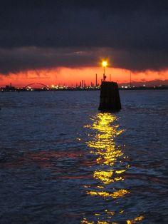 photo by Gianni Darai - giochi di luce al tramonto dal canale della Giudecca