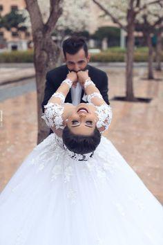 wedding ideas said mhamad photography couple kiss photoshoot Pre Wedding Poses, Wedding Picture Poses, Wedding Couple Poses Photography, Wedding Shoot, Wedding Couples, Wedding Gowns, Wedding Ideas, Farm Wedding, Wedding Engagement