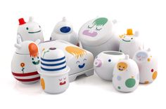 Seriously, are these not the cutest little tableware items ever??? Japanese illustrations on German ceramics.