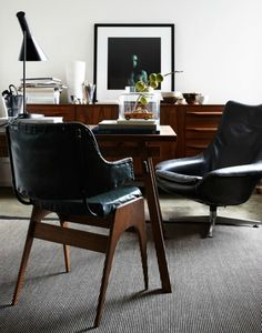 James Geer / Inside Out {black, white and wood eclectic vintage mid-century modern living room} office Home Office Design Ideas Cool Industr. Estilo Interior, Home Interior, Interior Architecture, Interior Design, Home Office, Masculine Interior, Masculine Room, Masculine Style, Mid Century Modern Living Room