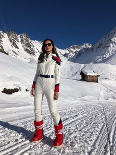 Ski Fashion, Winter Fashion Outfits, Apres Ski Outfits, Chalet Girl, Snowboard Girl, Snow Outfit, Moon Boots, Aspen, Passion For Fashion