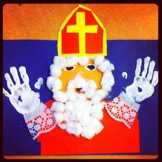 * Eenvoudig te maken, leuk voor het raam! Angel And Devil, Winter Kids, Little Ones, Kindergarten, Preschool, December, Santa, Seasons, Activities