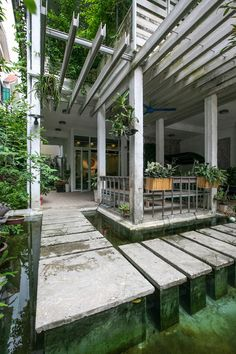 Outdoor patio - Growing Green Office / Studio 102