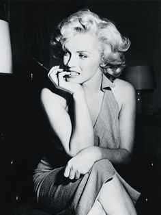 From Marilyn Monroe to Grace Kelly and Jackie Kennedy, here are the best classic perfumes worn by iconic celebrities.