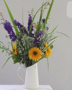 Fantastic image by busy mum Sarah who signed up for a 4-week online flower arranging class
