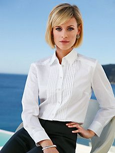 Peter Hahn offers blouses for women in a wide range of colours. Order a classic blouse for the office, sporty checked shirt or festive blouse Tunic Blouse, Check Shirt, Blouses For Women, Blazer, Lady, White Blouses, Jackets, Tops, Cream