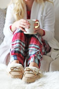 HOLIDAY // Plaid Pajamas